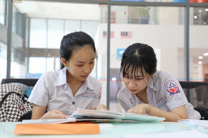 Xét tuyển học bạ tại UEF được đăng ký bao nhiêu ngành