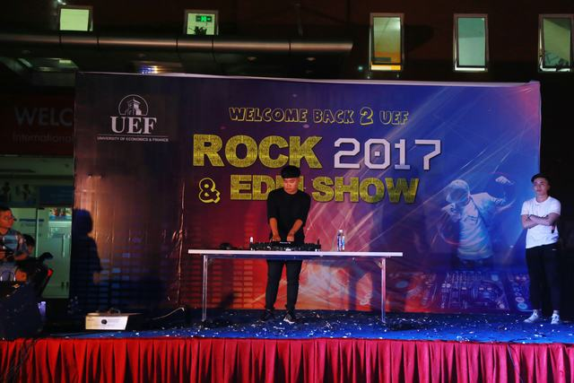Rock and EDM show UEF 90