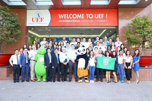 Học viên MBA Dartmouth ấn tượng trước sự năng động, hiếu khách của UEF